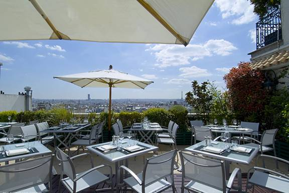 Paris rooftop The 7th Bar and Lounge